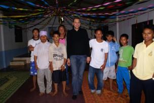 Dorfgemeinschaft, Asienreise, Bambushütte, alleine Reisen