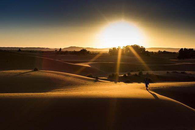 Sonnenuntergang-Christopher L.-Sahara-Marokko-CC BY