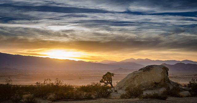 Sonnenuntergang-Ron Kroetz-Lucerne Valley, Kalifornien, USA-BB CY-ND