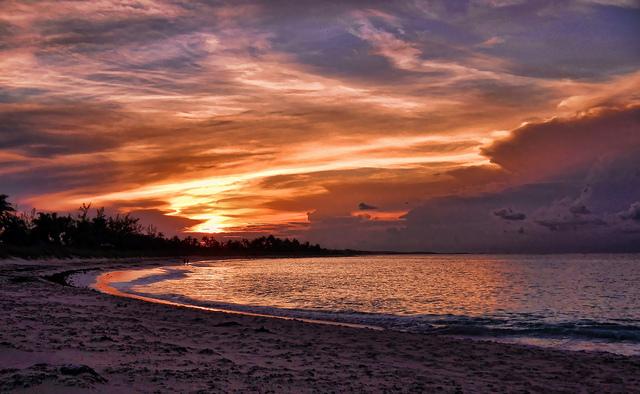 Tippy's Beach, Eleuthera, Bahamas (Bild: Trish Hartmann, CC BY, Flickr)